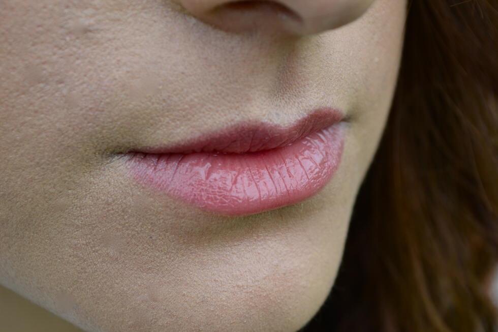 clarins lip balm crayon delicious plum