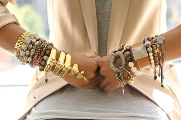 stacked-bracelets-fashion-blog