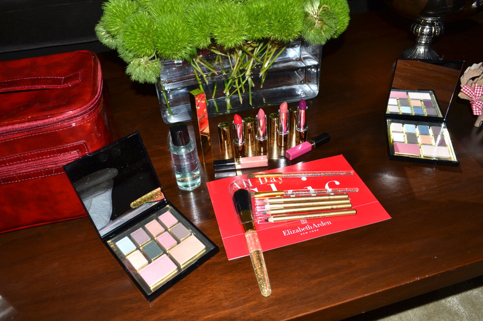 Elizabeth Arden All day Chic Christmas Collection