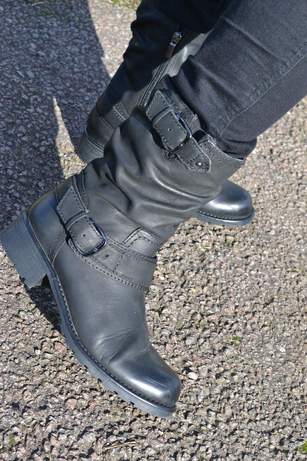 Biker Boots - Black Buckle