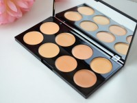 makeup-revolution-cover-conceal-palette-review-light-medium