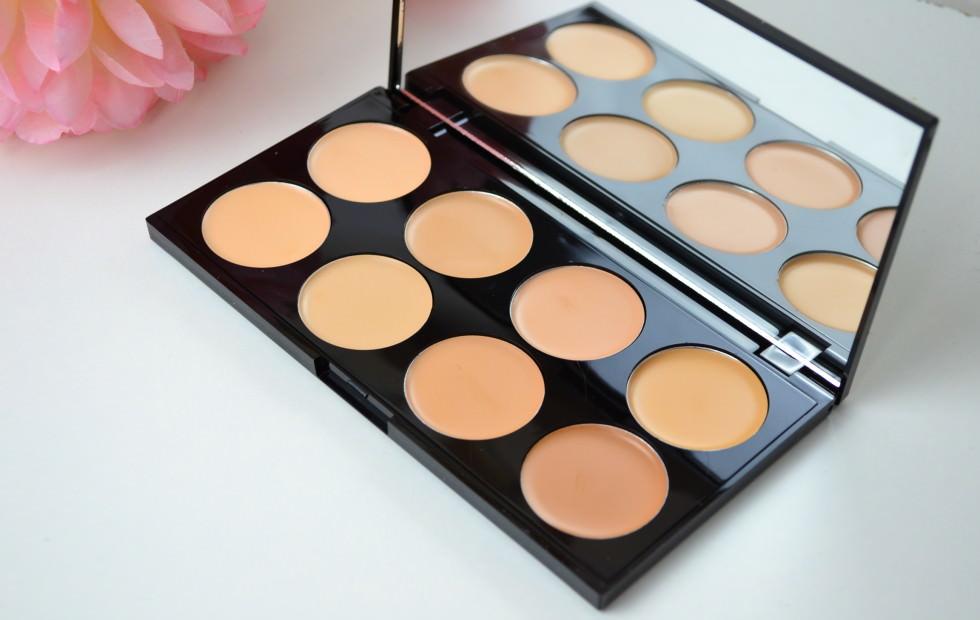 makeup-revolution-cover-conceal-palette-review-light-medium