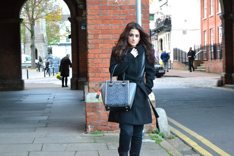 Paul's Boutique Mila Handbag - Fashion blogger