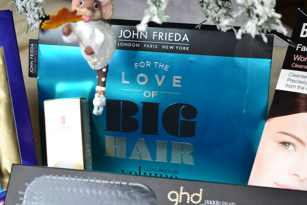 Christmas Gift Sets - John Frieda for the love of big hair