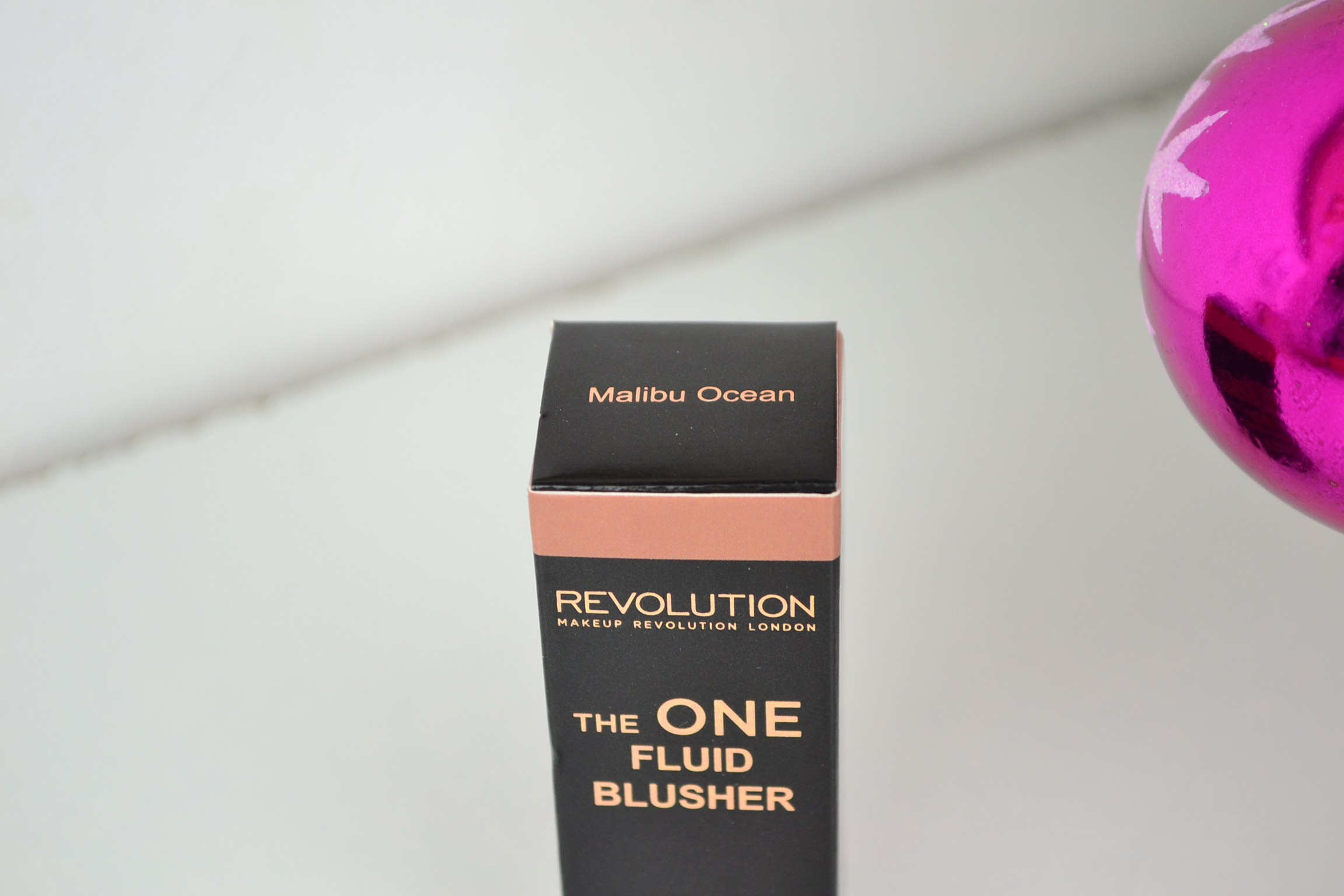 Makeup Revolution The One Fluid Blusher Malibu Ocean
