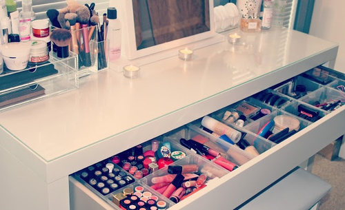 Makeup Storage We Heart It