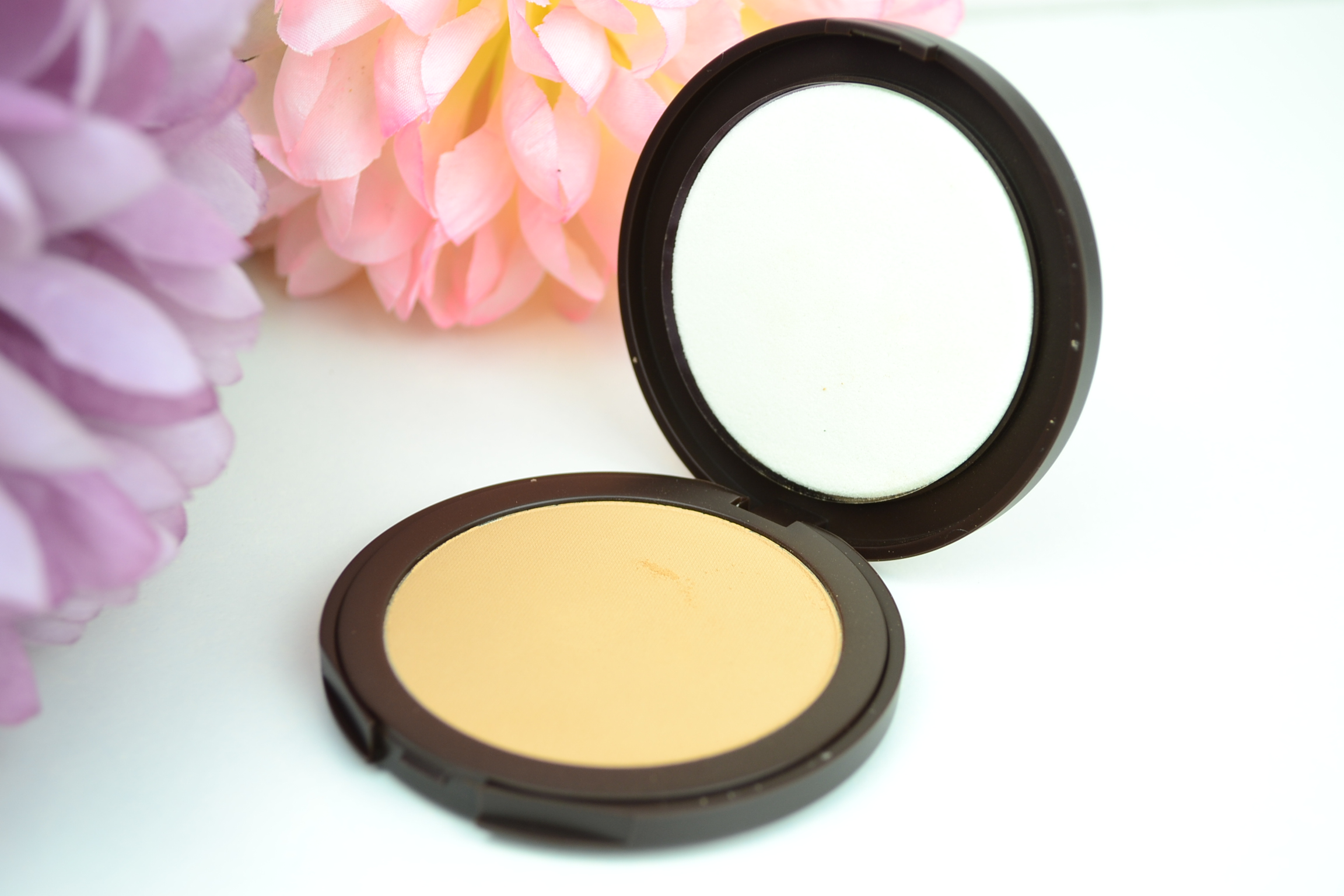 tarte-smoothe-operator-pressed-powder-review
