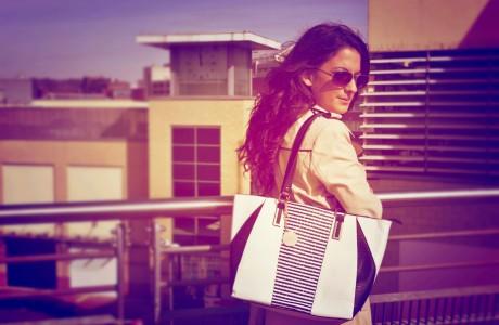 trench-coat-striped-handbag