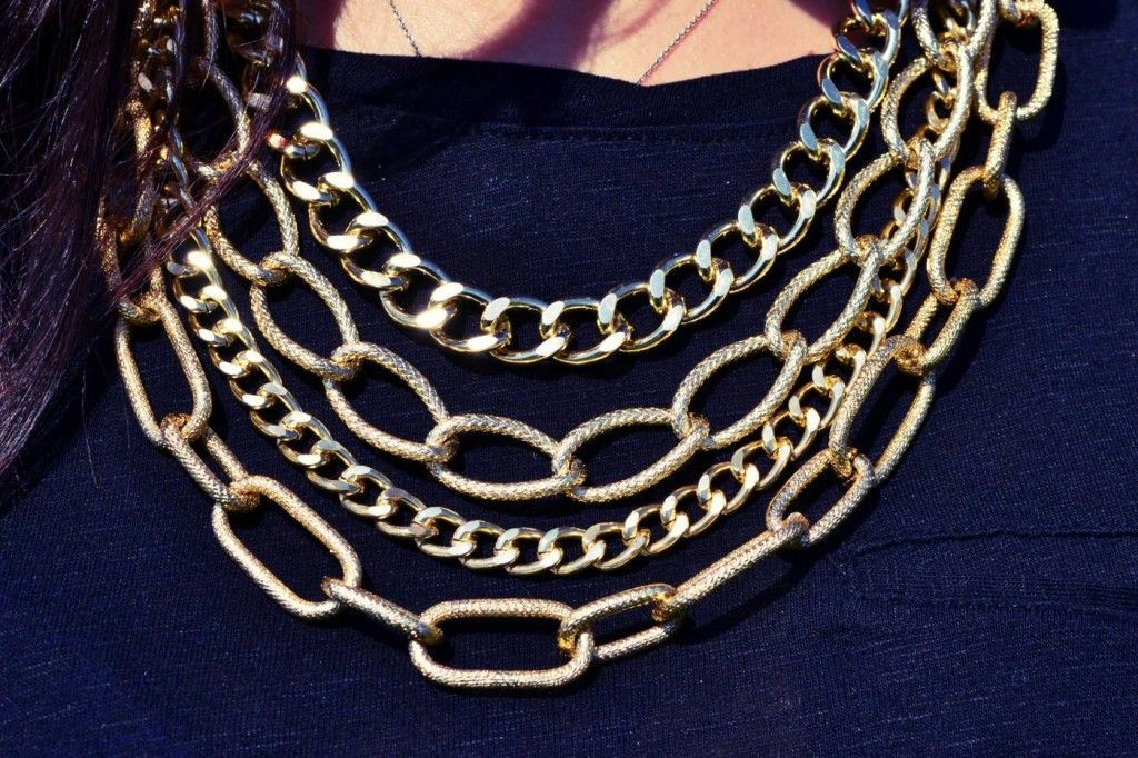 gold-layered-statement-necklace