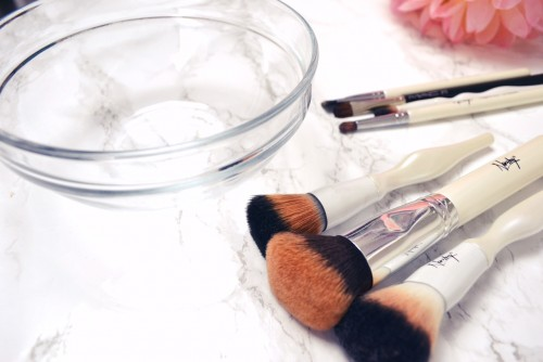 How To REALLY Clean Your Makeup Brushes