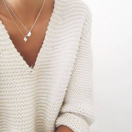 Styling Tips: Delicate Necklaces