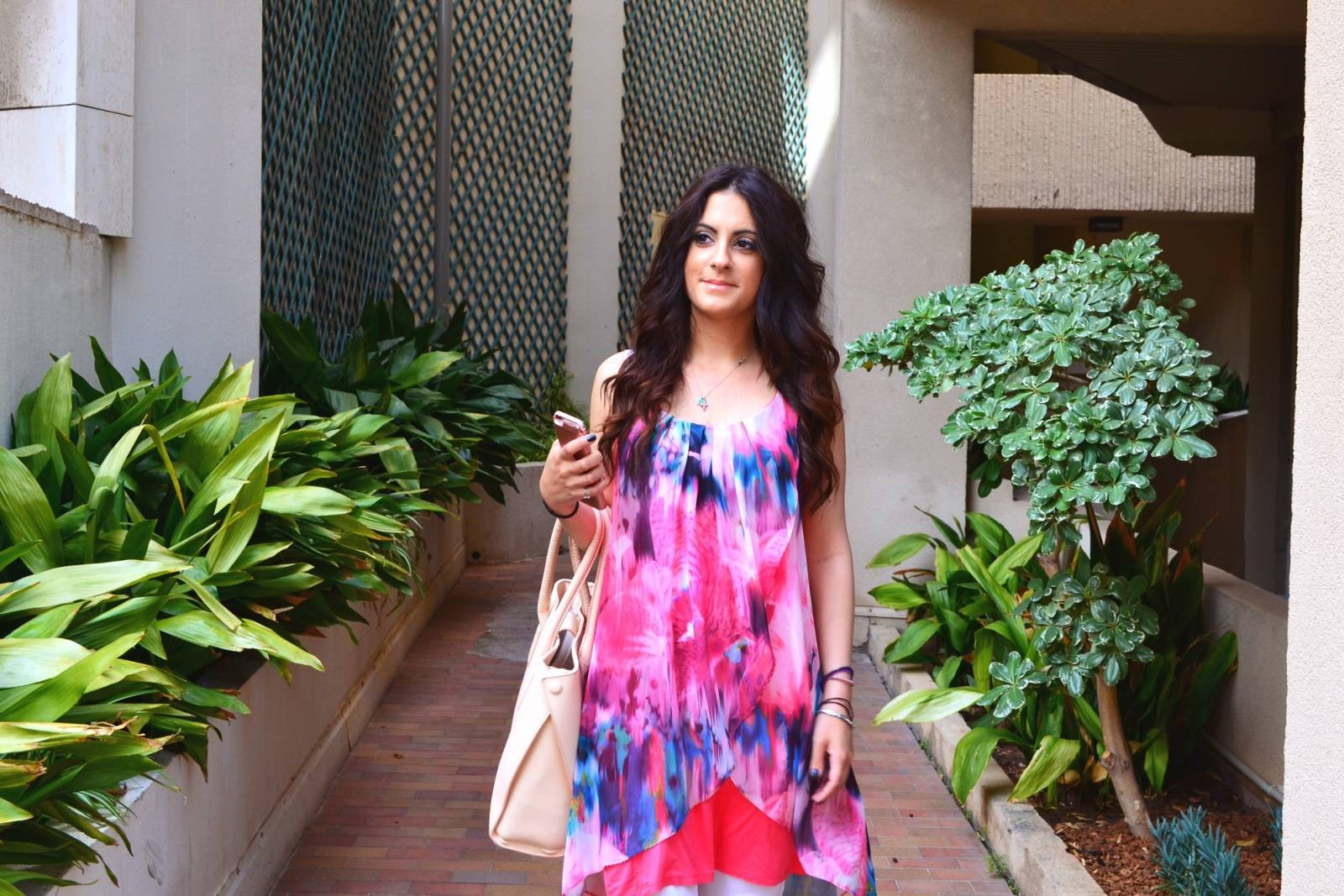 pink-and-blue-fashion-blogger-monaco