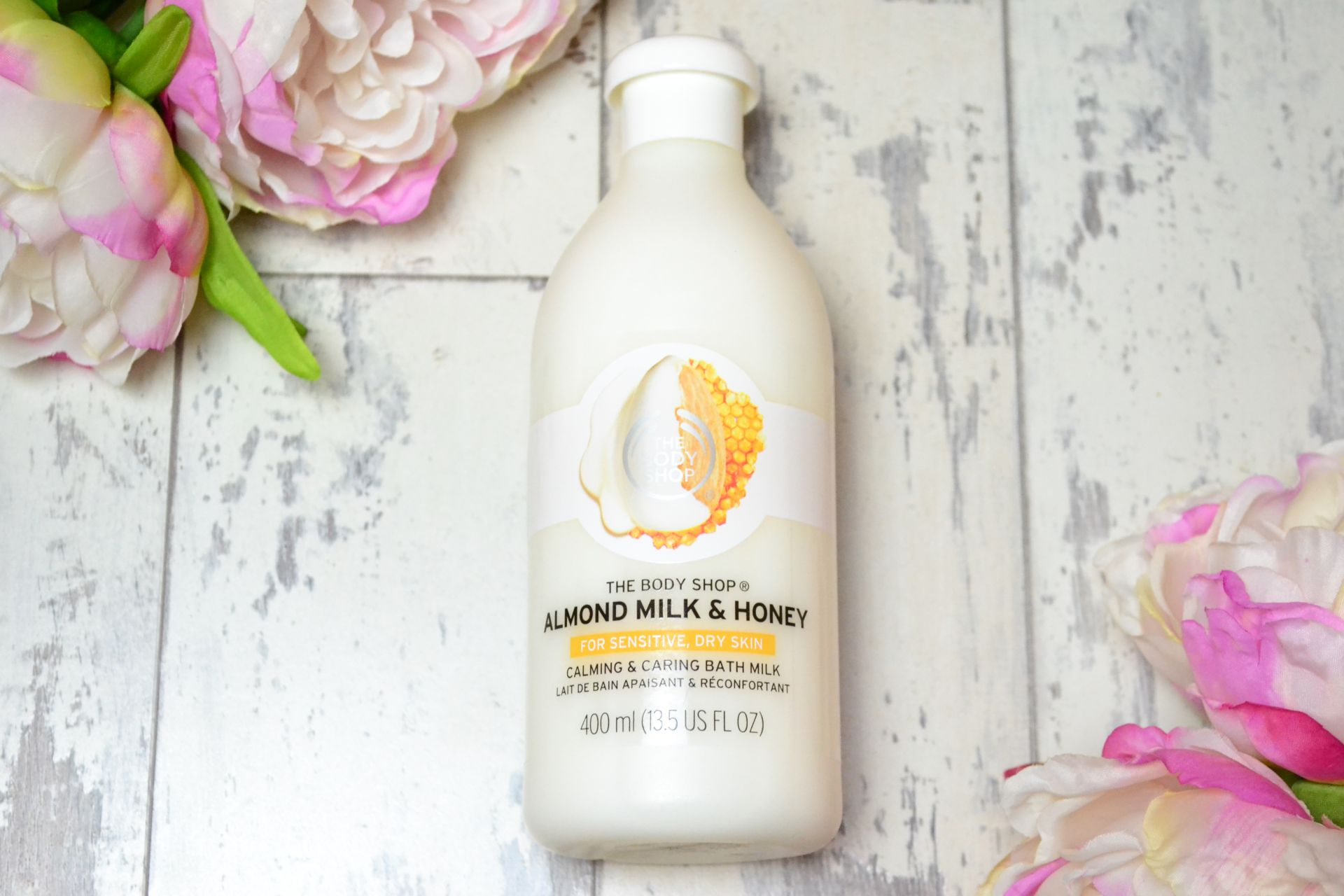 the-body-shop-almond-milk-honey-bath-creme