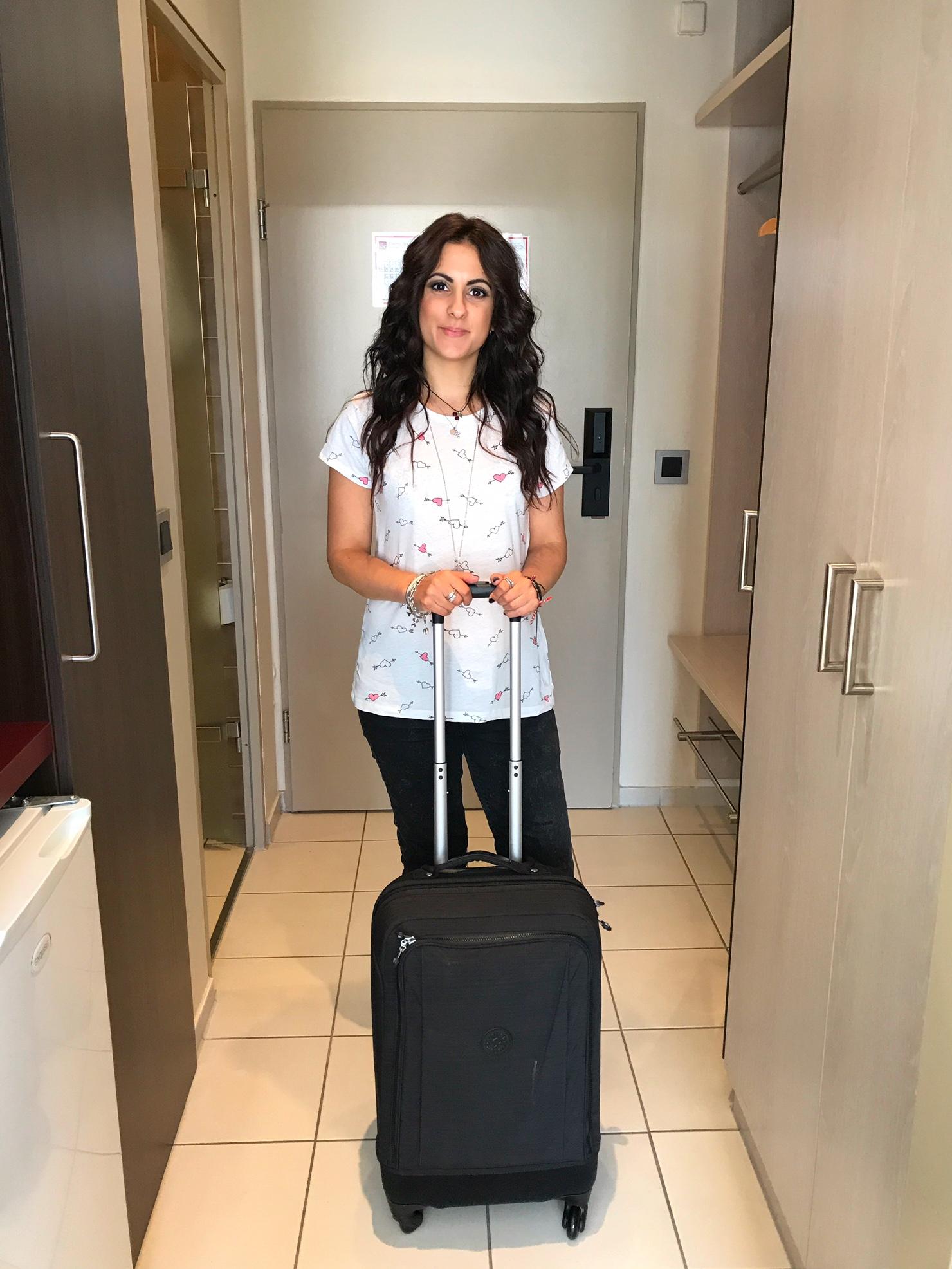 kipling-super-hybrid-suitcase