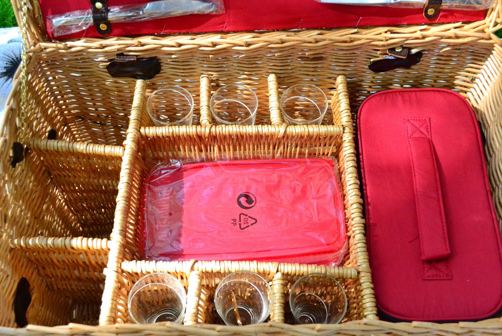 luxury-picnic-basket