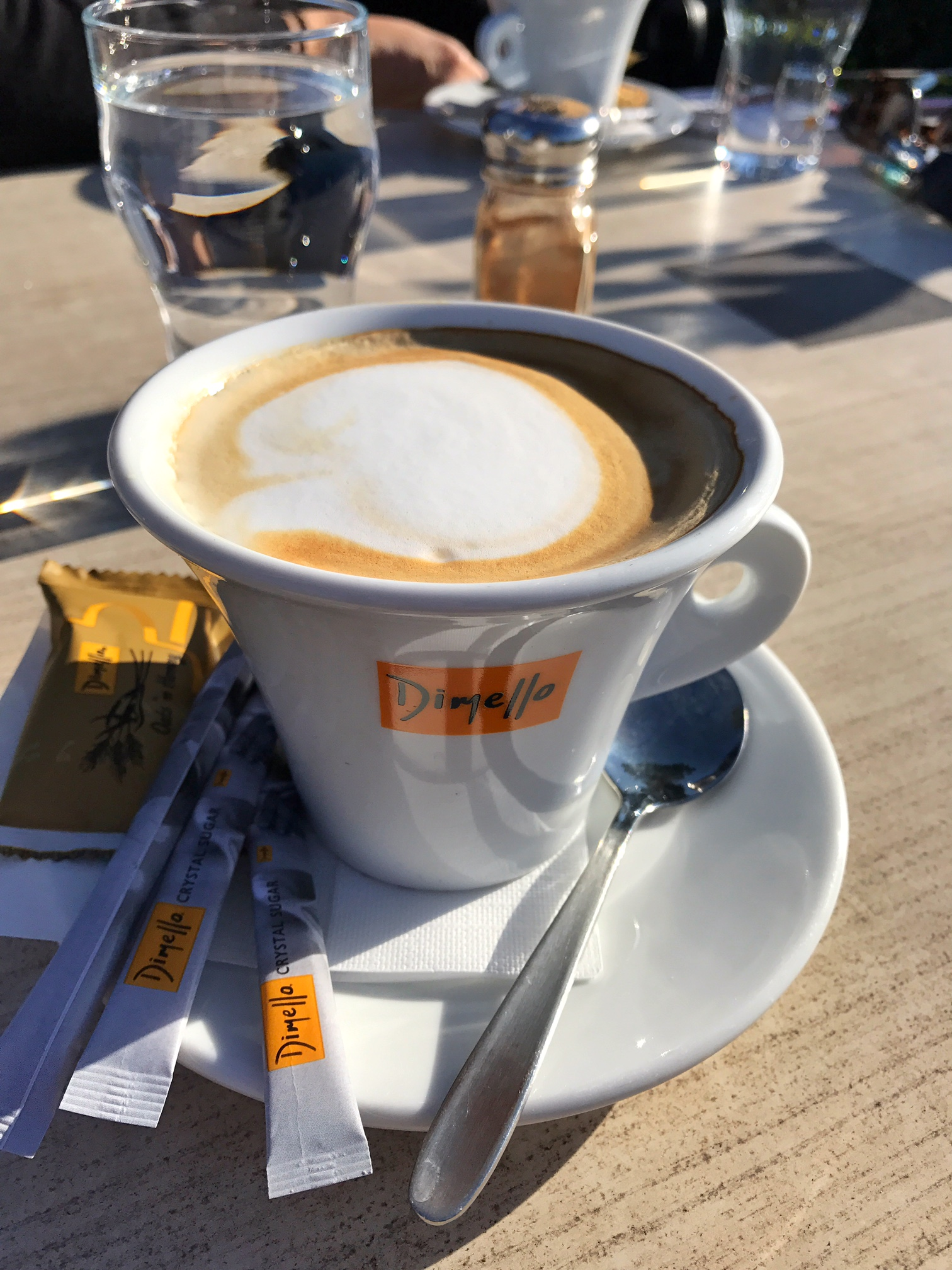 limni-marathon-cafe
