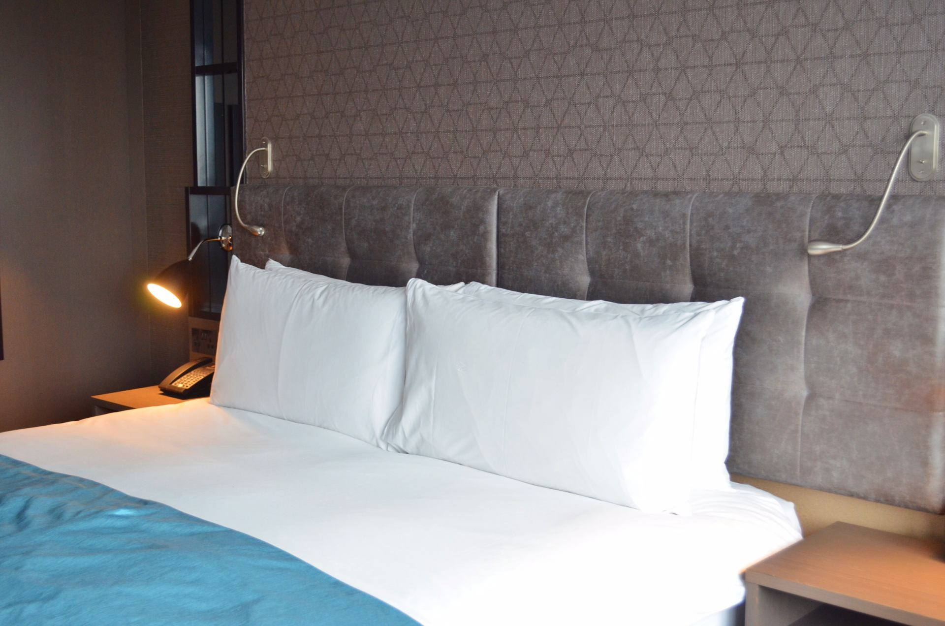 courthouse-hotel-shoreditch-bed-review