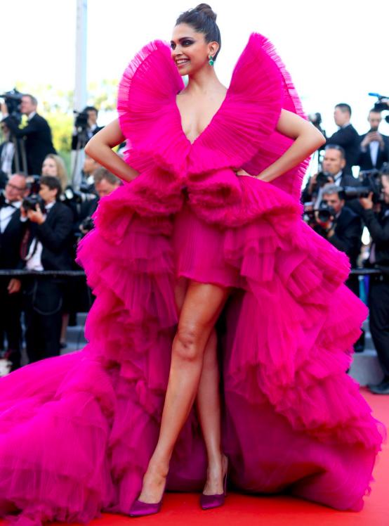 deepika-padukone-pink-dress-cannes-2018