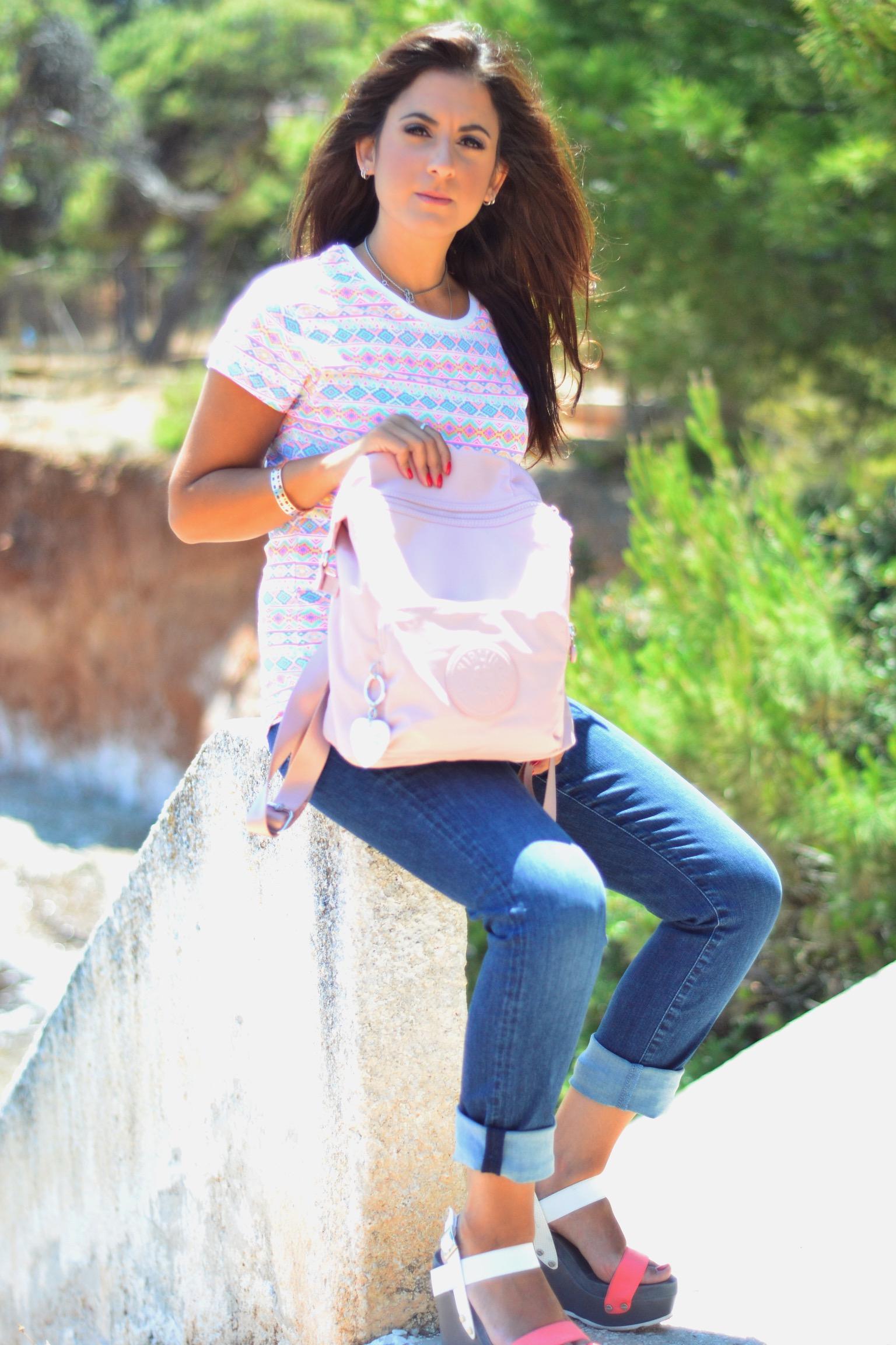 pink-backpack-kipling