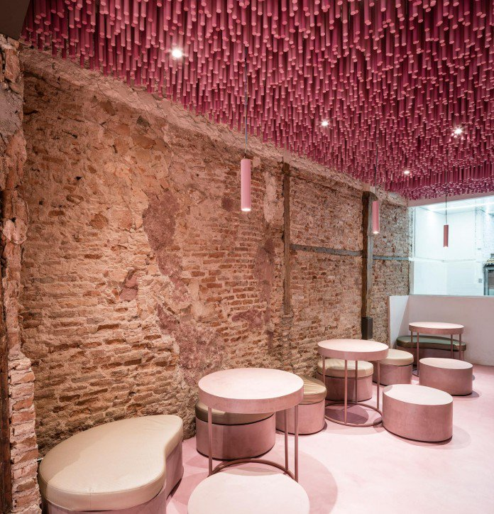 pink-bakery-cafe-in-madrid-spain
