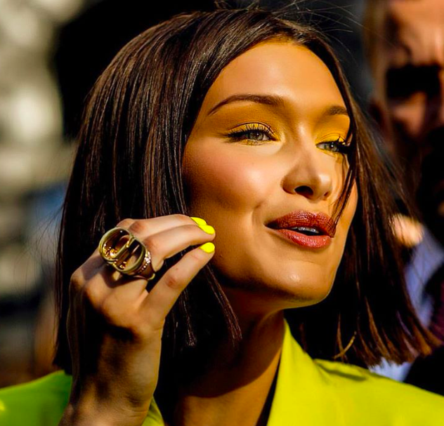 bella-hadid-neon-yellow-nails
