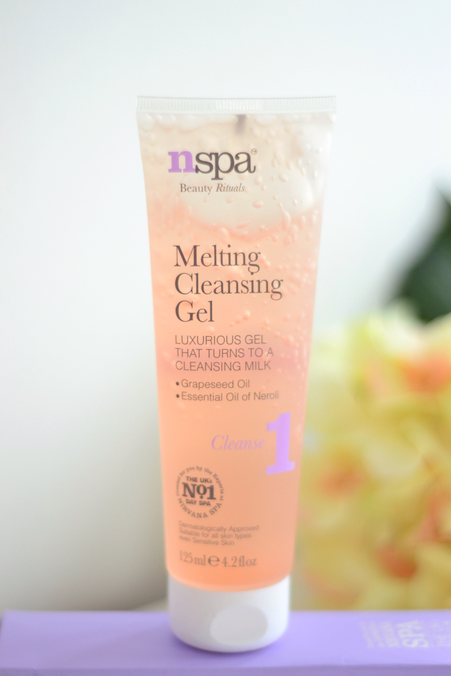 nspa-melting-cleansing-gel