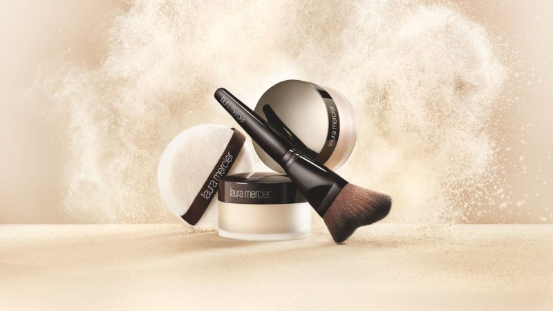 Laura Mercier Translucent Loose Setting Powder Glow – For People That Hate Highlighter