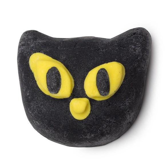 lush-halloween-cat-bath-bomb