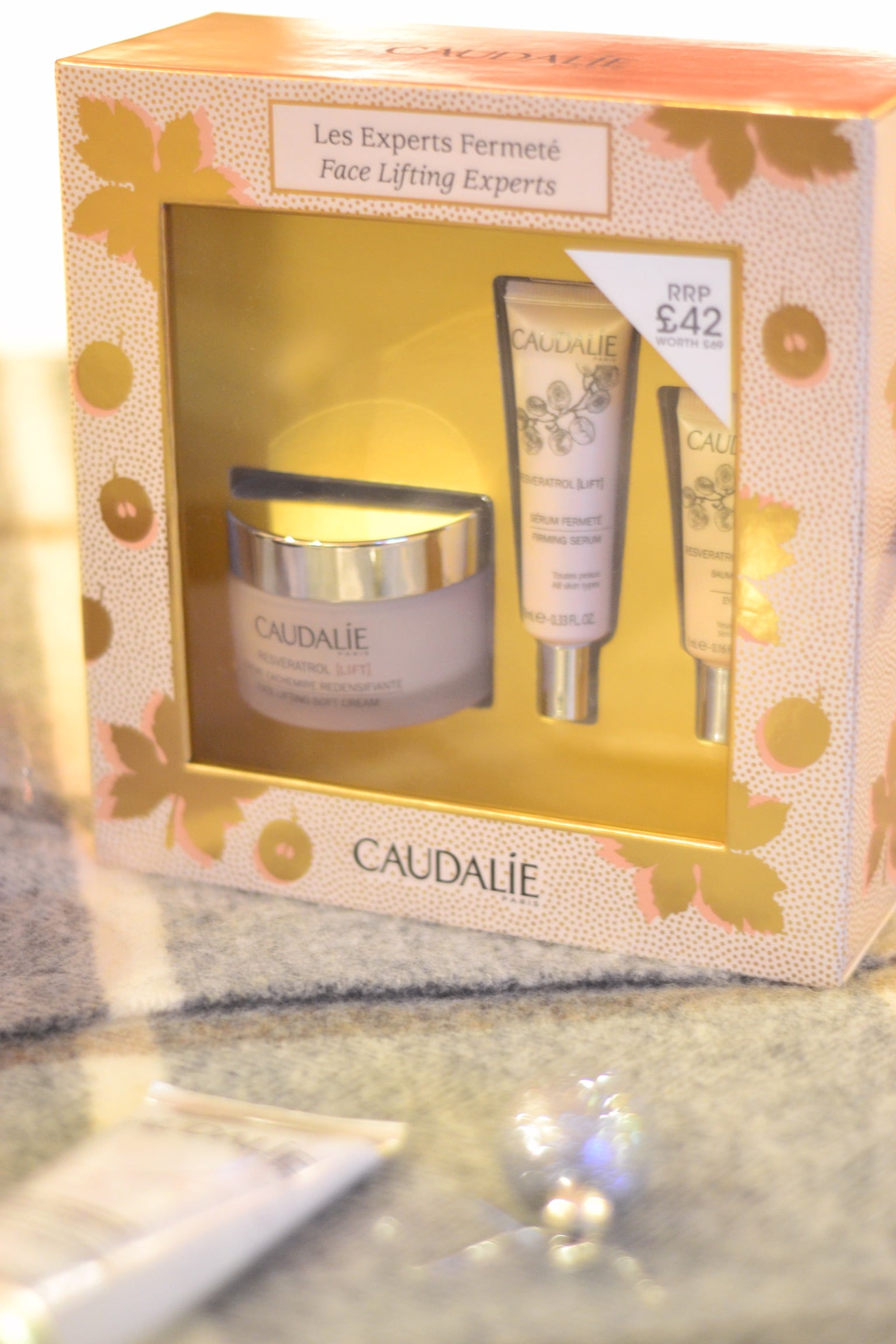 caudalie-face-lifting-skincare-gift-set