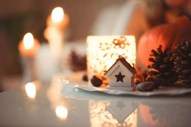 How To Create A Cosy Christmas In Your Home – Decor Tips