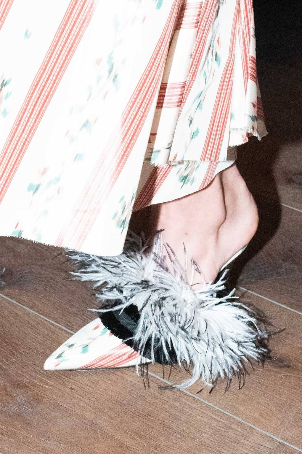 feather-shoe-trend-2019