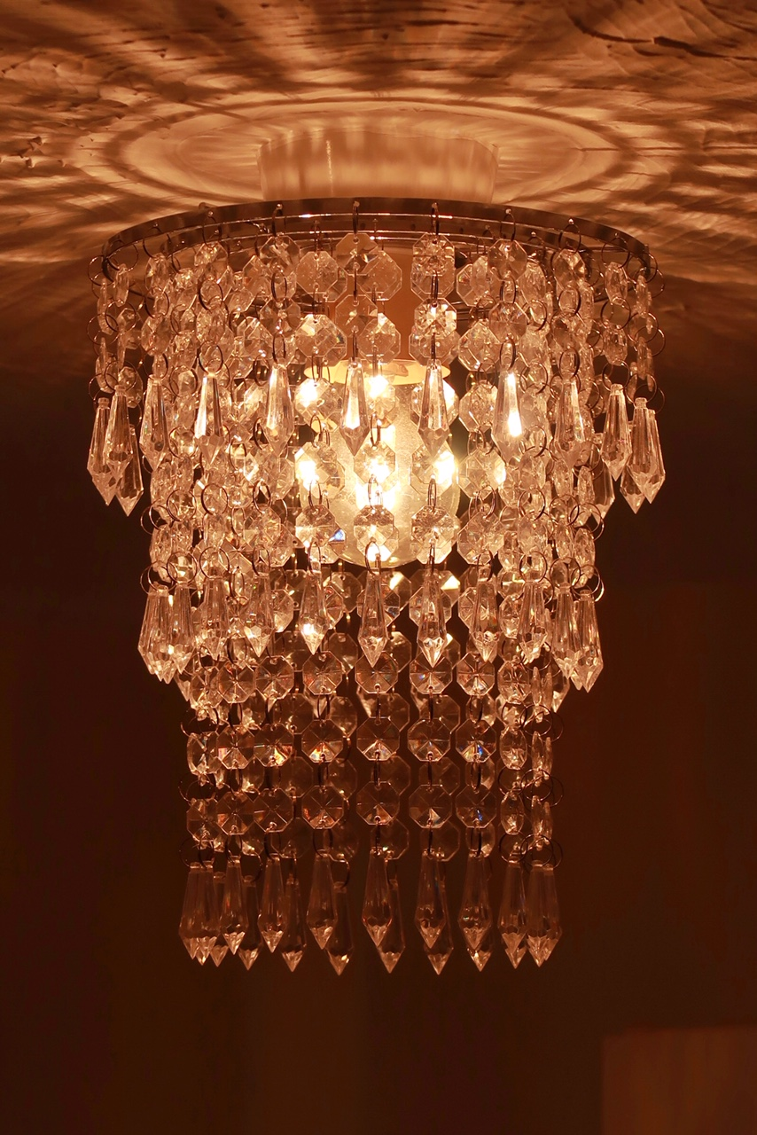 iconic-lights-chandelier-droplet