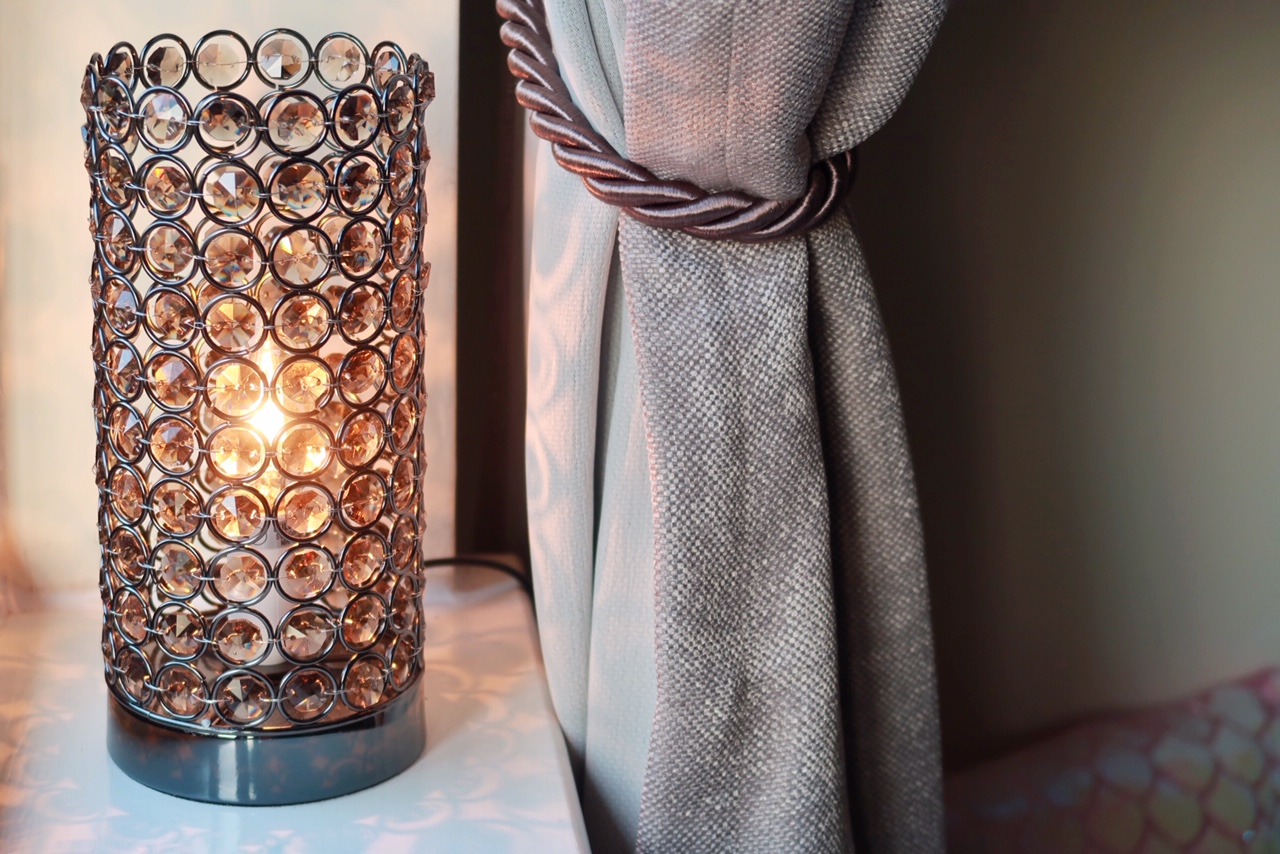 iconic-lights-crystal-touch-lamp