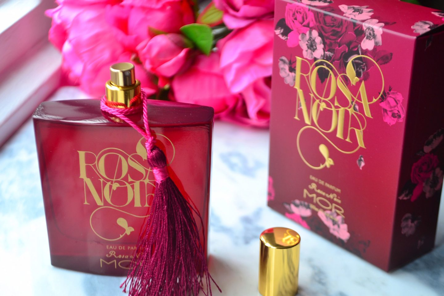 rosa-noir-perfume-review