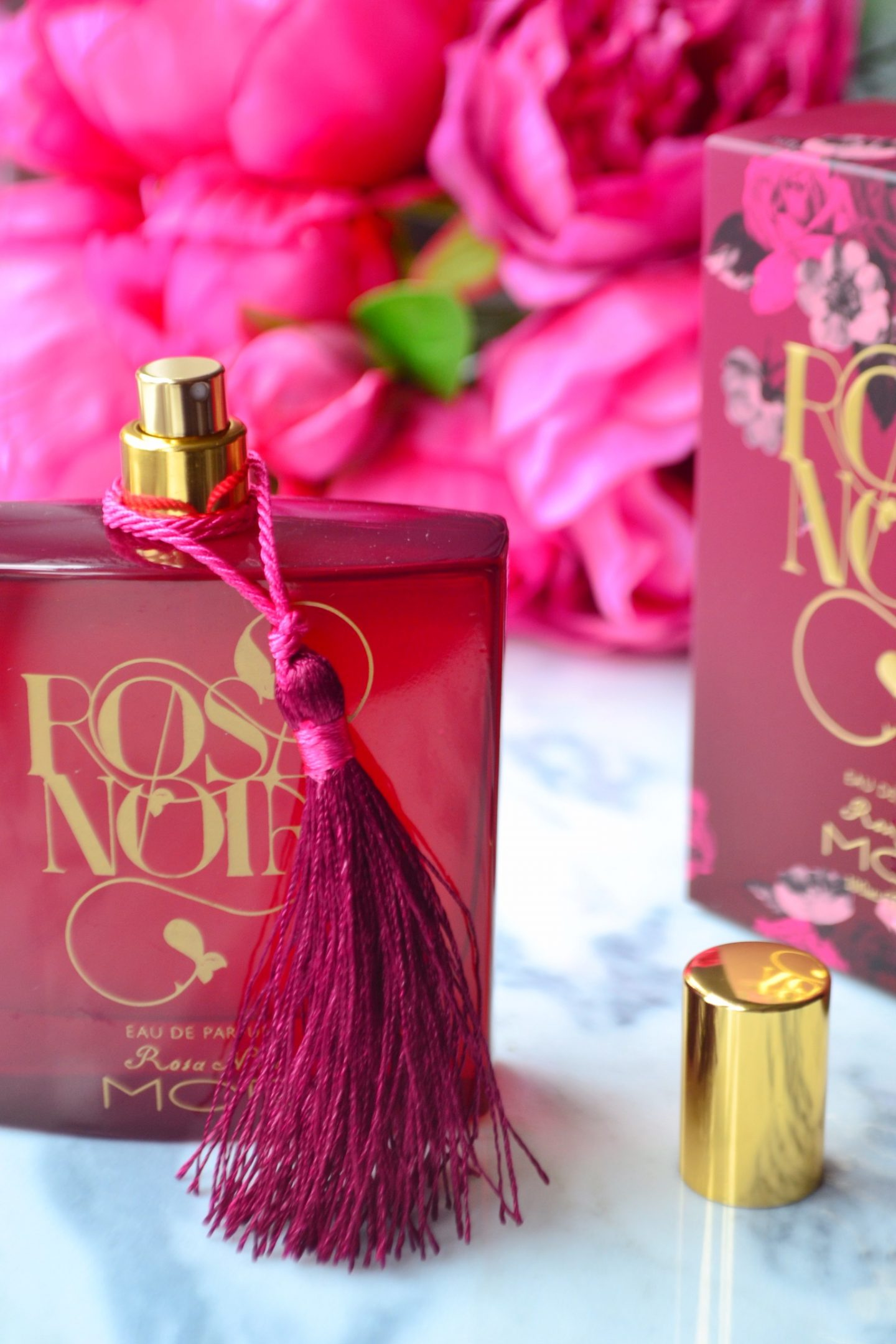 rose-noir-perfume-shop