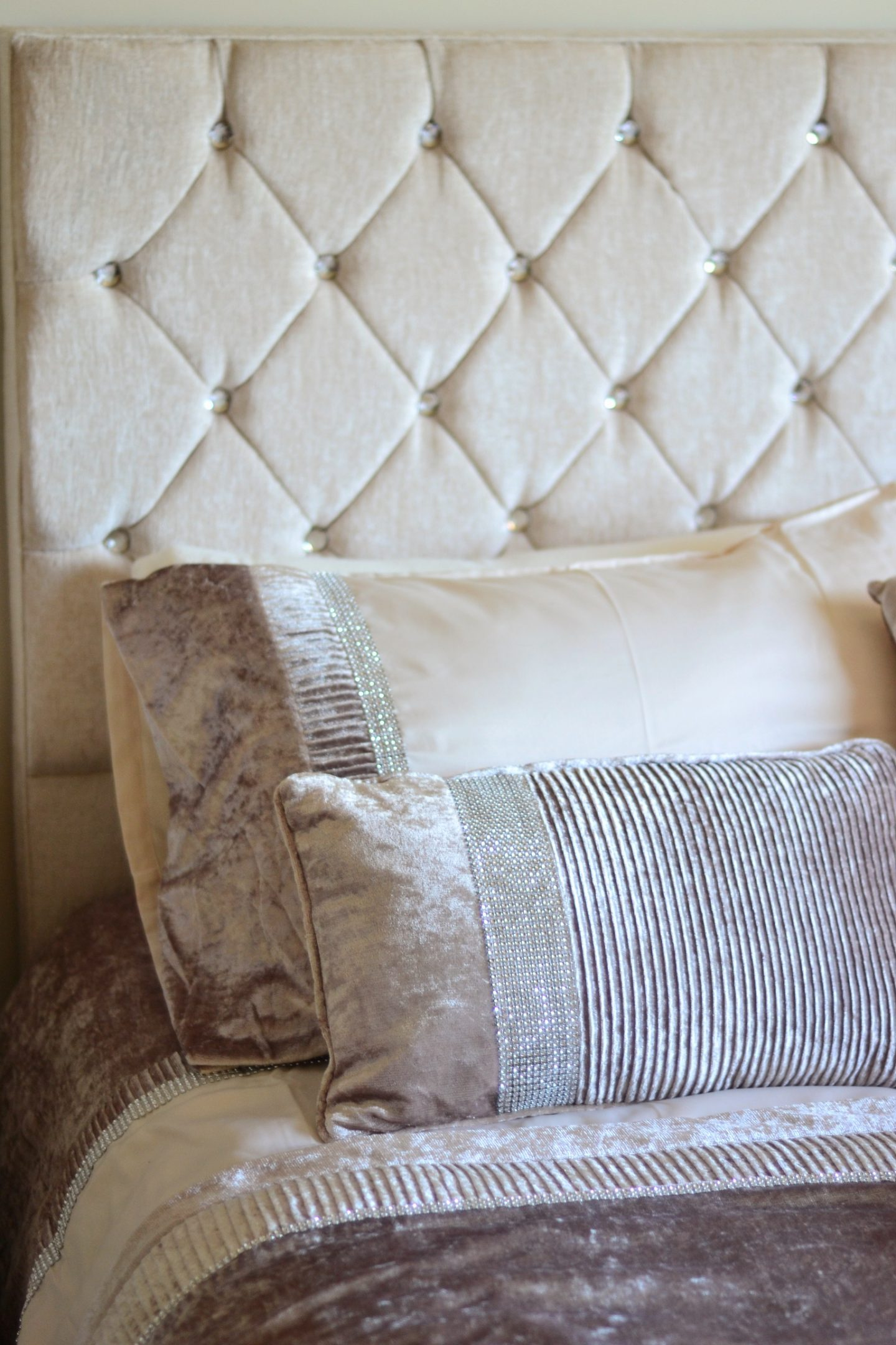 julian-charles-embellished-bedding