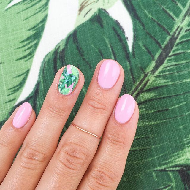 palm-nails-manicure-pink-trend