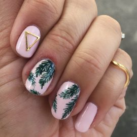 palm-nails-summer-manicure-trend