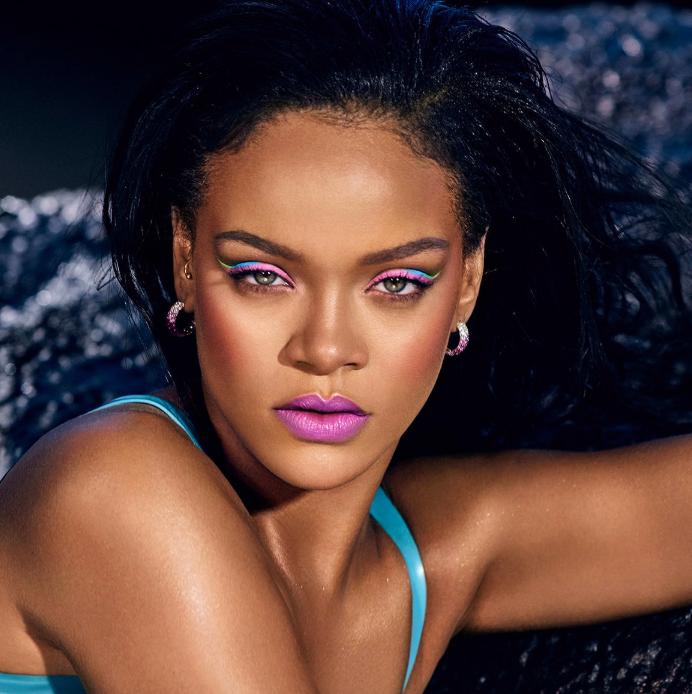 rihanna-fenty-beauty-pink-lipstick