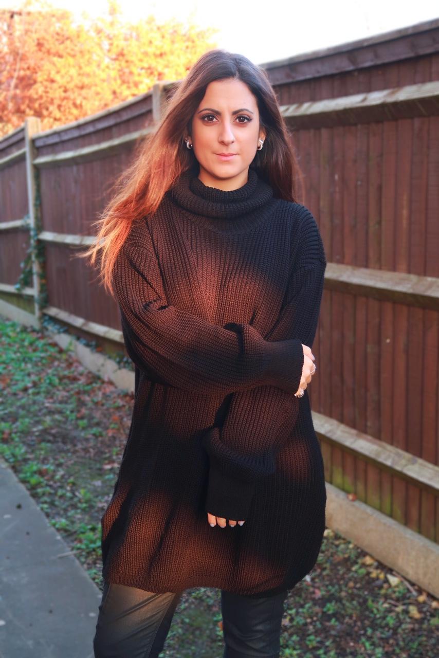 black-oversized-turtleneck-jumper