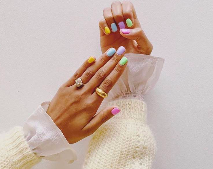 colourful-nail-trend-2020