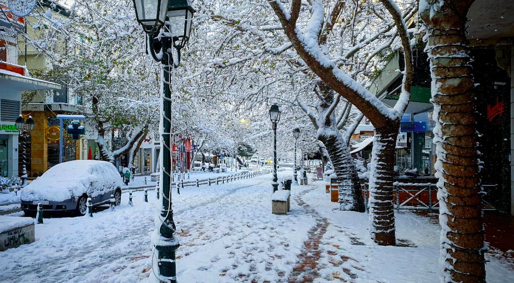 snow-fall-in-greece