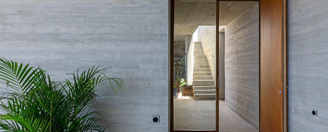 lap-pool-house-door