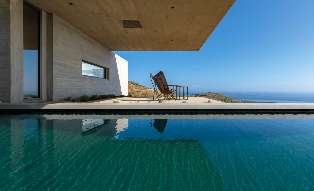 swimming-pool-lap-pool-house-tinos